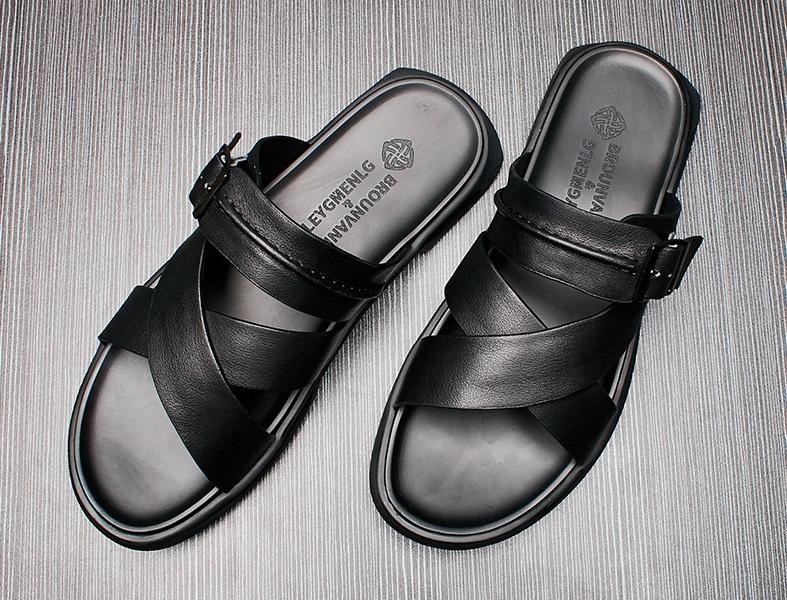 Hướng dẫn cách làm sạch giày da lộn nam tốt nhất